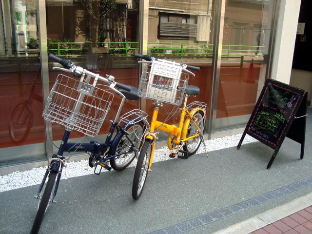 ホテルセブンシーズ銀座 店頭のレンタサイクル展示