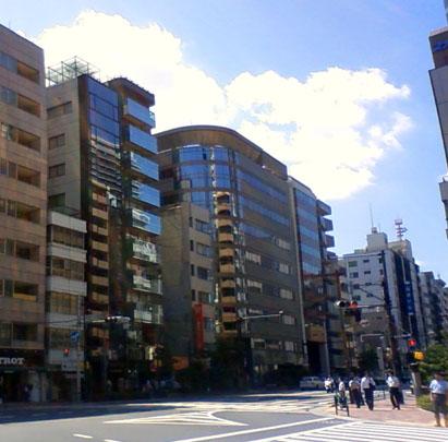アパホテル<九段下>建設中の飯田橋1丁目交差点
