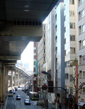 建設中のアパホテル<六本木>(2011/4)