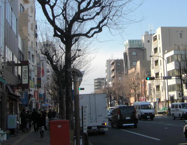 青梅街道と「クラブイン荻窪」