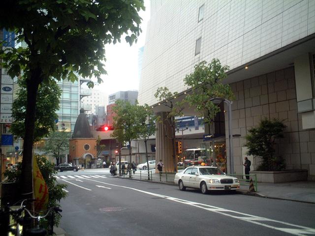 ホテル西洋 銀座前から京橋方向の眺め