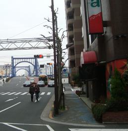 箱崎ターミナルホテルと清洲橋