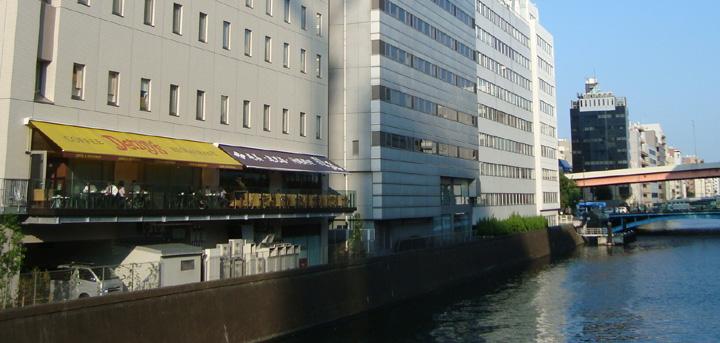 秋葉原ワシントンホテル/神田川に面したオープンテラス