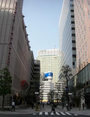 レム日比谷と東京宝塚劇場