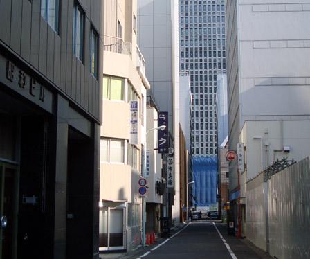 中央通りから見た「浦島館」